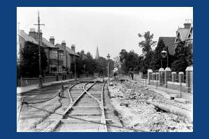 Worple Road, Wimbledon: Constructing tram track