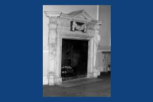 Cannizaro House, Wimbledon: Period fireplace