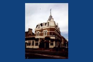 Coombe Lane, Raynes Park Tavern, Raynes Park
