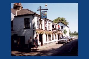 Wimbledon: Camp Road, Fox & Grapes pub