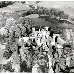 Li15191 Aerial Photograph of Eastnor Castle 1972038.jpg