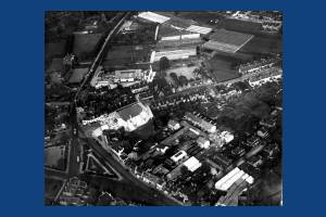 Fair Green, Mitcham: Aerial view of London Road including Majestic