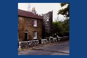 Phipps Bridge Road, Mitcham: The Folly