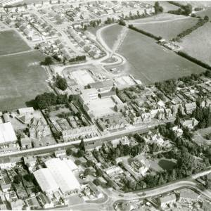 Li15107 Herefordshire - Aerial photo of Leominster 1969 - South Street, Grammar School, Cottage Hospital, Henlys.jpg
