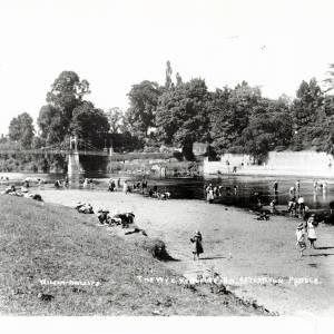 Children paddling in Wye near Victoria Bridge, C1916
