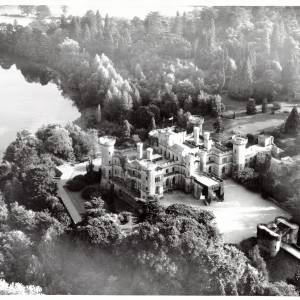 Li15190 Aerial Photograph of Eastnor Castle 1972.jpg
