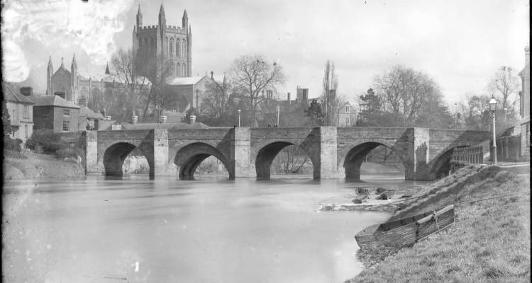 Hereford Cathedral from Wye bridge, Hereford