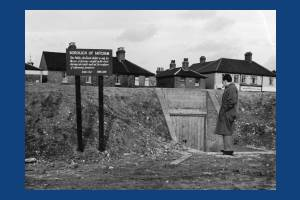 Air raid shelter by  Beehive Bridge, Mitcham
